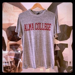 Tops - Alma College vintage distressed grey tee shirt med